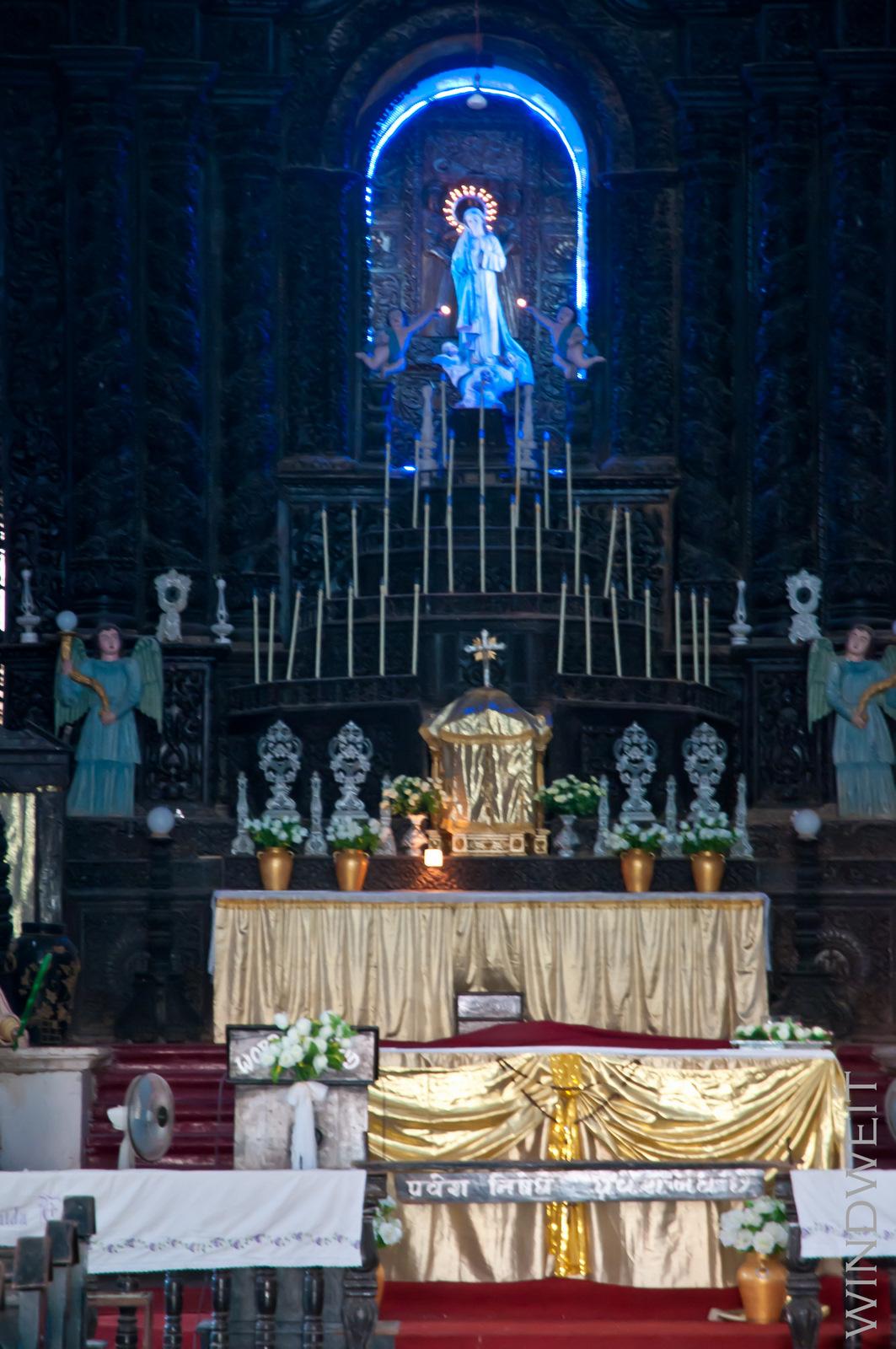 Altarraum in der Paulskirche