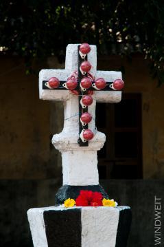 Kreuz, beleuchtet